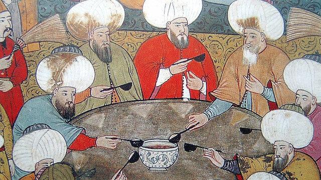 Çorba, ziyafet sofralarının baş tacı ve sofranın kılavuzudur.