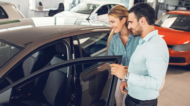 Dizel otomobil satışlarının payı yüzde 58,09'a geriledi.