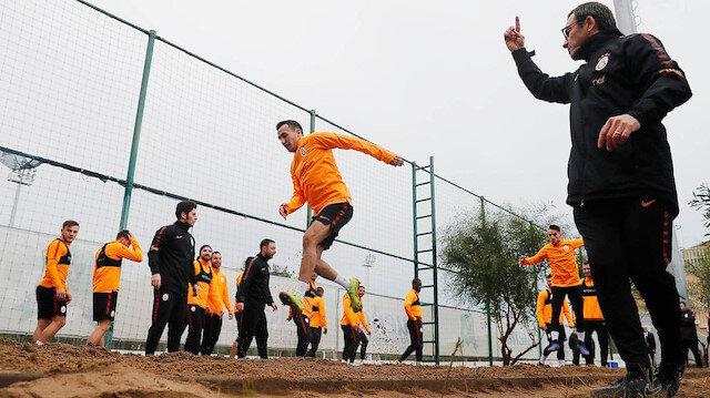 Galatasaray'ın yeni İtalyan kondisyoneri Alberto Bartali, sarı kırmızılılardaki ilk idmanını kumda gerçekleştirdi.