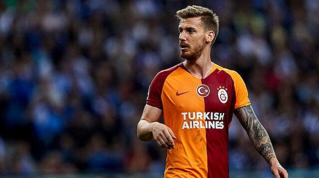 Serdar Aziz bu sezon Galatasaray formasıyla 15 resmi maça çıkarken 2 gol attı ve 1 asist kaydetti.