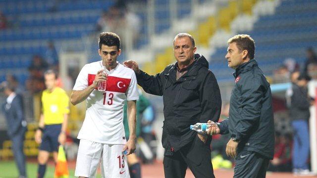 Emre Taşdemir A Milli Takım formasını ilk kez Fatih Terim döneminde giymişti.