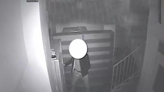 Camiden ses sistemi çalan hırsız kamerada