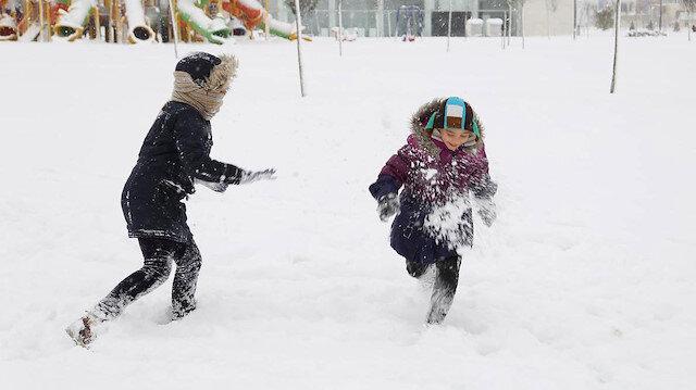 Konya'da yoğun kar yağışları etkili oluyor
