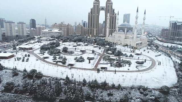 İstanbul'u kaplayan kar havadan görüntülendi
