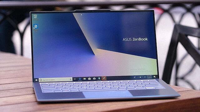 Asus N752VX ZenBook S13,A tek şarjla 14 saat boyunca kesintisiz çalışabiliyor.