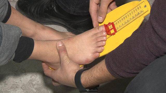 24 parmaklı çocuğa devletten özel ayakkabı