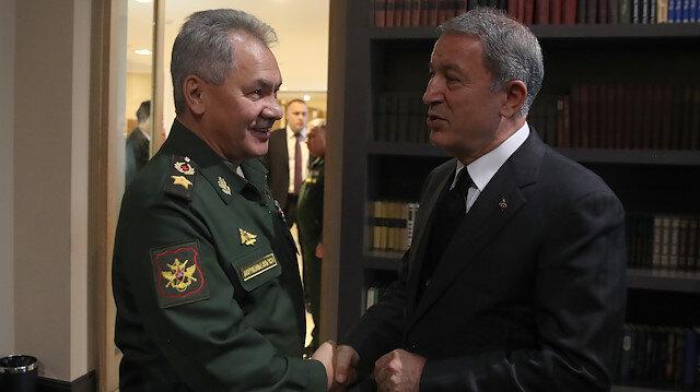 Milli Savunma Bakanı Hulusi Akar, Rusya Savunma Bakanı Sergey Şoygu