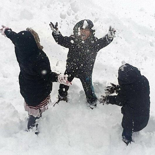 Van ve Bitlis'te eğitime kar nedeniyle ara verildi