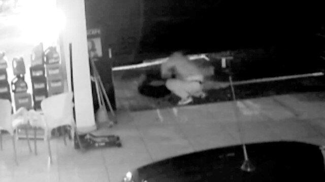 Onlarca lastiği dakikalar içerisinde çalan hırsızlar kamerada