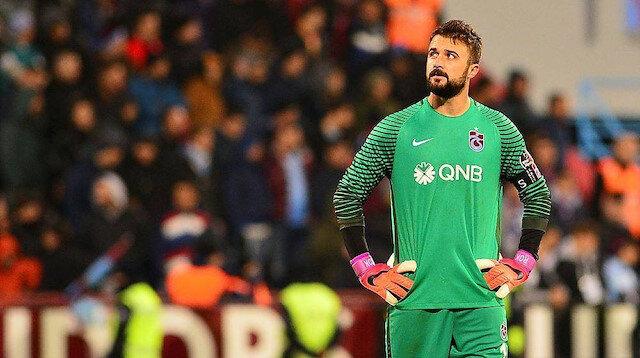 Onur Kıvrak 12 ayrı sezonda Trabzonspor forması giyerek adını efsane futbolcuların arasında yazdırdı.