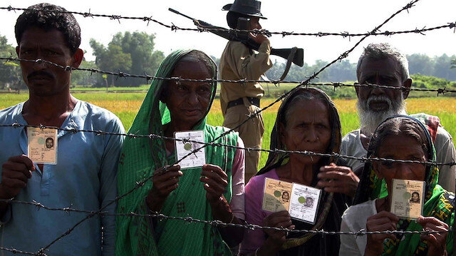 Hindistan'da bölücü yasa onaylandı