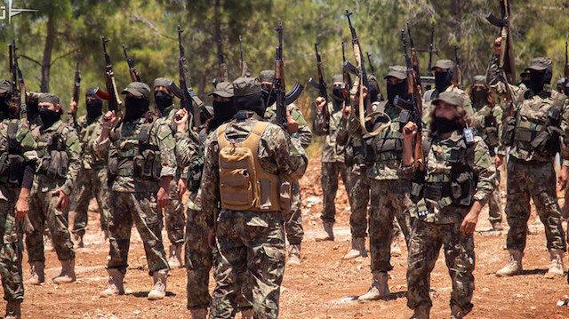 BAE ve Suudi Arabistan'a bağlı hareket eden HTŞ militanları, İdlib'de ÖSO kontrolündeki köylere saldırdı.