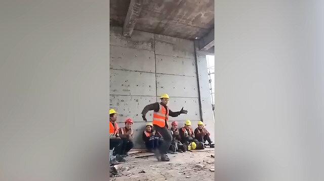 İnşaat işçisinden dans şov