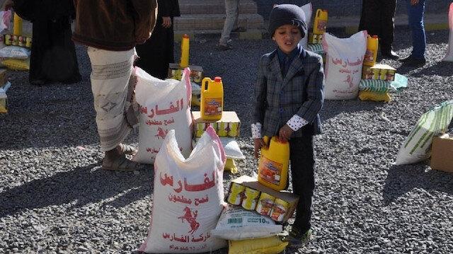 """أفاد"""" التركية توزع 500 سلة غذائية في لحج اليمنية"""