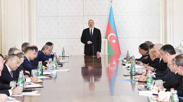 Bakanlar kurulu toplantısında açıklamalarda bulunan Azerbaycan Cumhurbaşkanı Aliyev, 2018 yılıyla ilgili değerlendirmelerde bulundu.