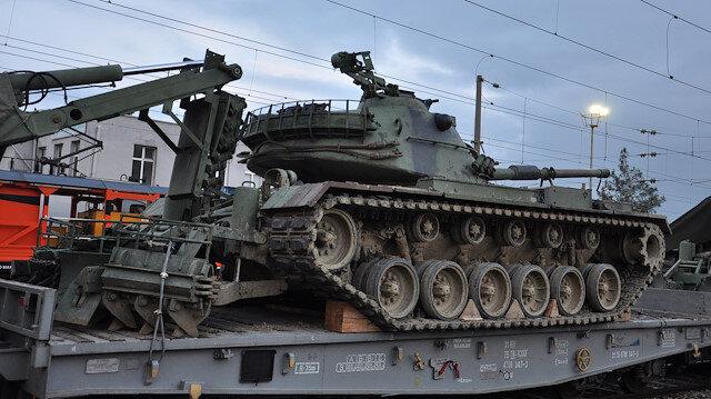 Askeri personellerin refakat ettiği konvoy, Suriye sınırındaki bölgelere sevk edildi.
