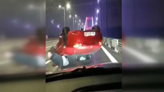 Kaza yapan aracın sürücüsü, otomobilden sürüklenerek çıktı.