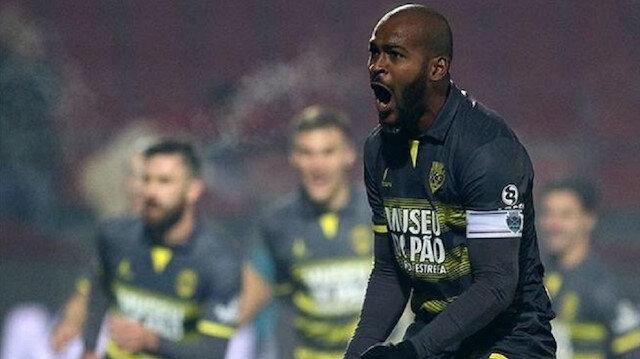 Stoperde görev yapan Galatasaray'ın yeni transferi Marcao sol ayağını kullanıyor.
