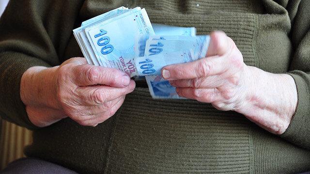 Bakıma muhtaç ve yoksul vatandaşlara devlet tarafından yapılan yardımlar yeni yılda zamlanacak.