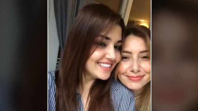 Hande Erçel ve annesi