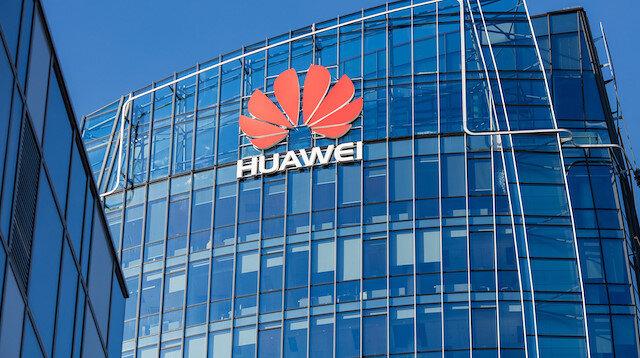 Polonya güvenlik birimlerinin, Huawei'nin ve yerel iletişim sağlayıcı Orange Polska şirketinin Varşova'daki bürolarını aradığı, belgelere ve elektronik verilere el koyduğu ifade edildi.