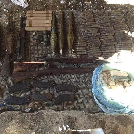 Hakkari'de teröristlerin mühimmatları ele geçirildi