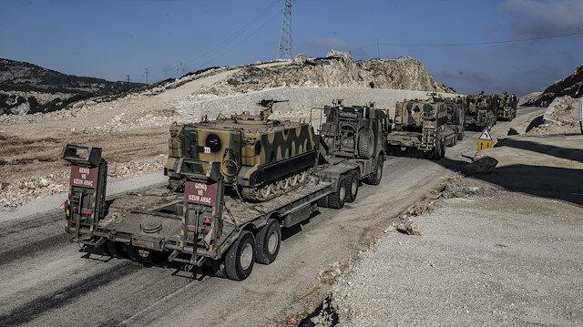 Askeri araçlar, İdlib sınırındaki birliklere doğru hareket etti.