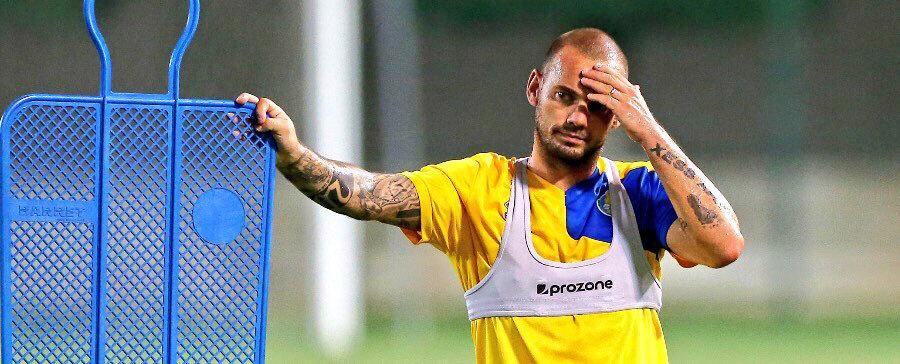 34 yaşındaki Sneijder, Al Gharafa formasıyla çıktığı 21 maçta 12 gol atarken 5 de asist kaydetti.