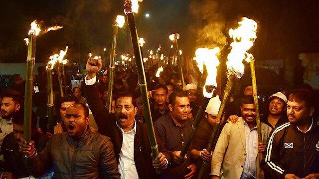 Hindistan'da din ayrıcalıklı vatandaşlık tasarısına karşı tepki