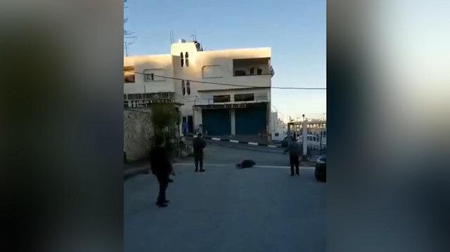 İşgalci İsrail'in askerleri Filistinliyi vurdu