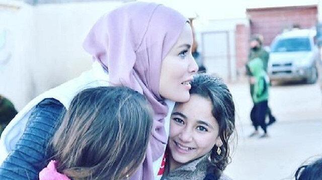 Umudun sesi Gamze Özçelik Kur'an-ı Kerim dağıtımı yapacak