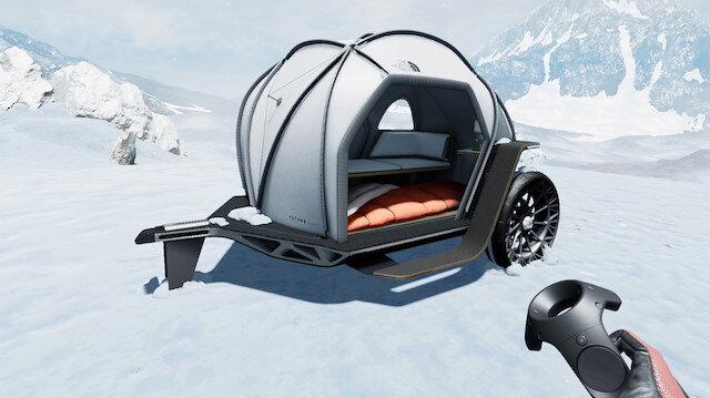 BMW Designworks ekibi tarafından tasarlanan çadırda iki kişi konaklayabiliyor.