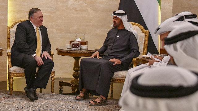 ABD Dışişleri Bakanı Mike Pompeo, Birleşik Arap Emirlikleri'ne (BAE) gerçekleştirdiği ziyaret kapsamında Abu Dabi Veliaht Prensi Muhammed bin Zayid Al Nahyan ile bir araya geldi.