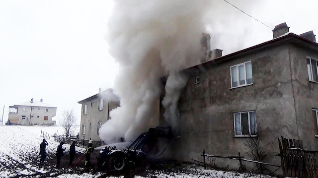 Kalorifer kazanı patlayan ev alev alev yandı