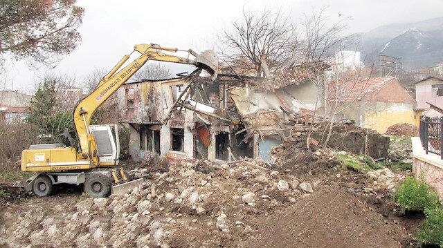 Tespit edilen 58 bin 59 metruk binanın 21 bin 168'inde yıkım işlemi gerçekleştirildi.