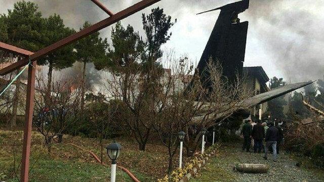 Tahran kırsalında kargo uçağı düştü. (Fotoğraf: Mehr)