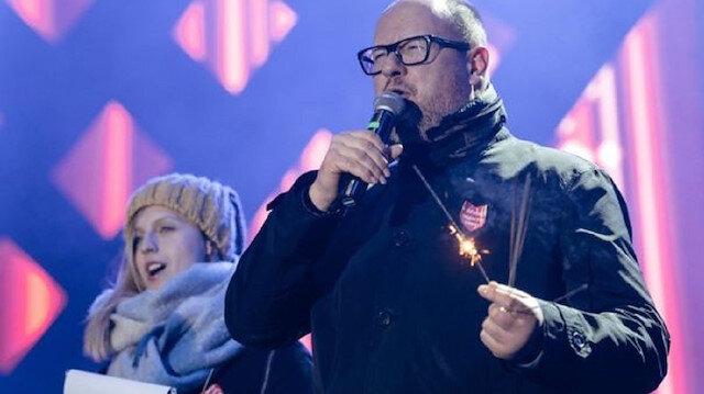 Polonya'da belediye başkanı sahnede kalbinden bıçaklandı