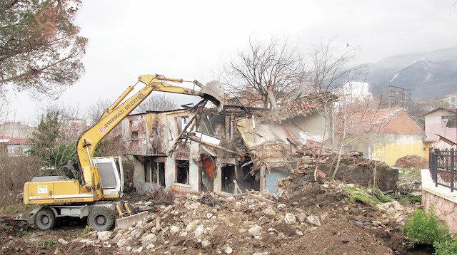 21 bin metruk bina yıkıldı