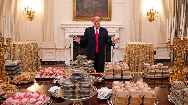 Trump Beyaz Saray'da hamburger ısmarladı
