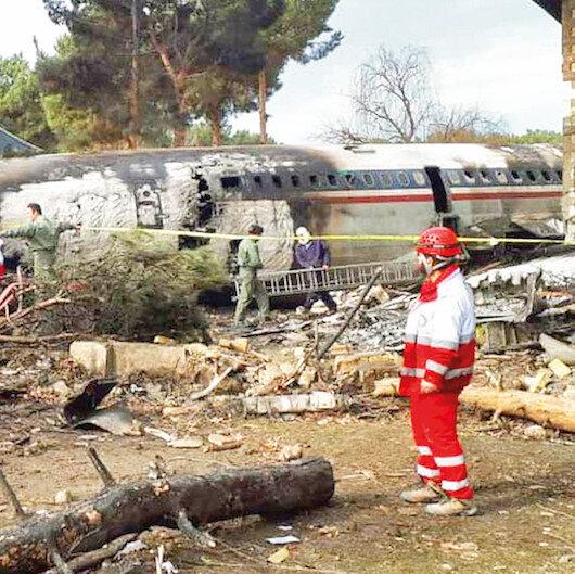 Kargo uçağı İran'da çakıldı