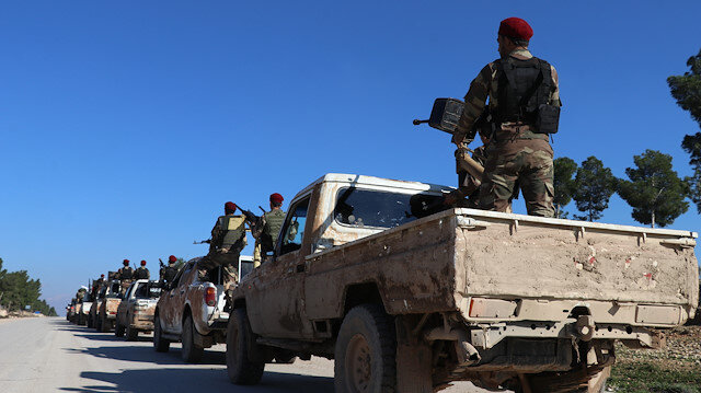 Syrian oppositions on the way to front lines in Manbij