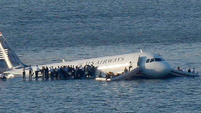 Hudson Nehri'ne inen uçağın yolcuları 10 yıl sonra aynı yolculukta bulundu