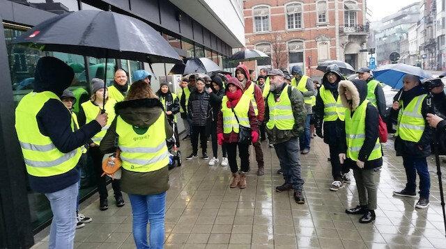 Belçika'nın 'sarı yelekliler'i Google'u protesto etti