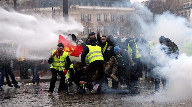 Sarı yeleklilerin gösterileri Fransa ekonomisini etkiledi