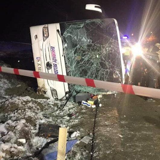 Amasya'da otobüs devrildi: Ölü ve yaralılar var