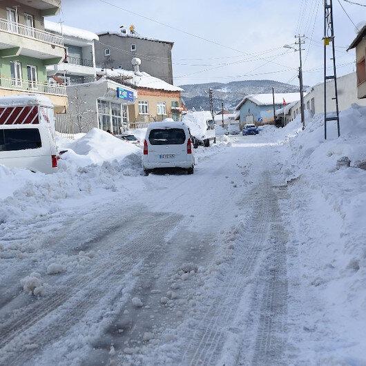 Adıyaman hava durumu: Tipi yolları kapattı