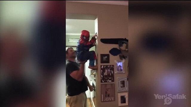 Örümcek Adam olmaya bir baba yeter