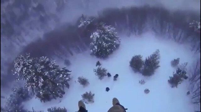 Mehmetçik donmak üzere olan 4 kişiyi son anda kurtardı