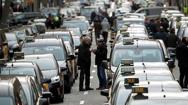 Barselona'da taksicilerden olaylı eylem