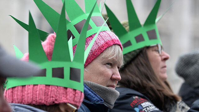 Thousands gather across US for third Women's March